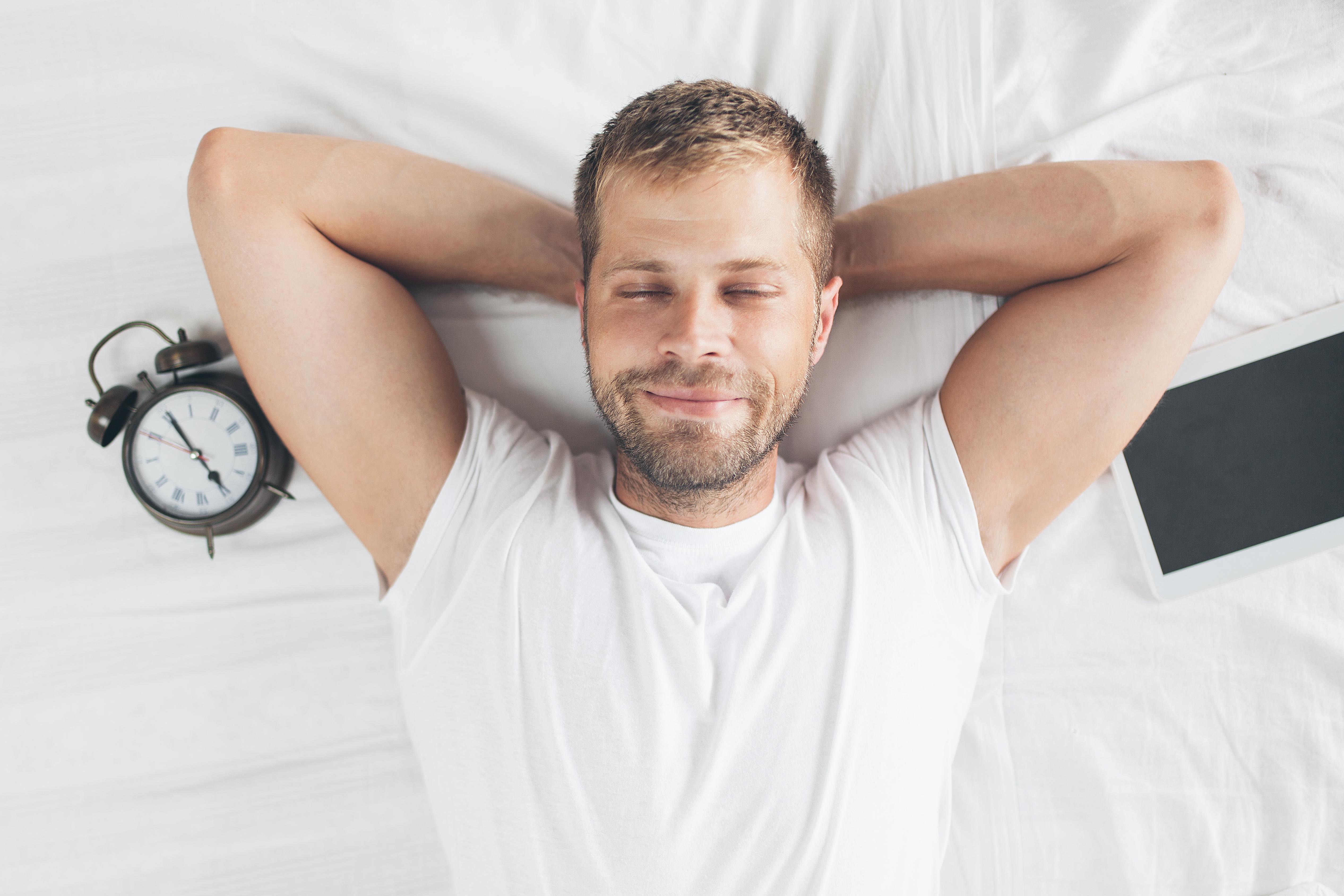 5 dicas para ensinar seu corpo a acordar cedo