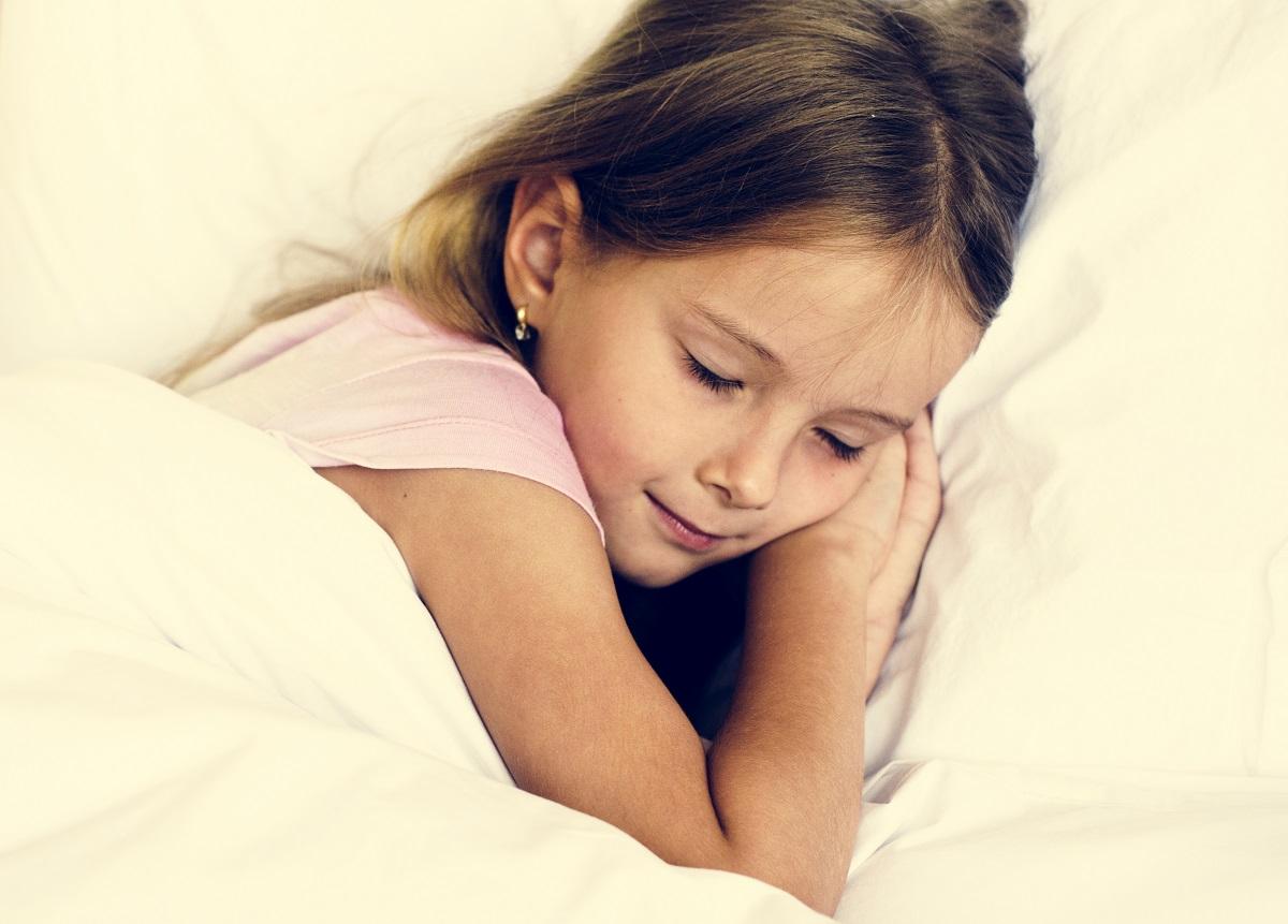 Por que dormir bem significa bons resultados em sala de aula?