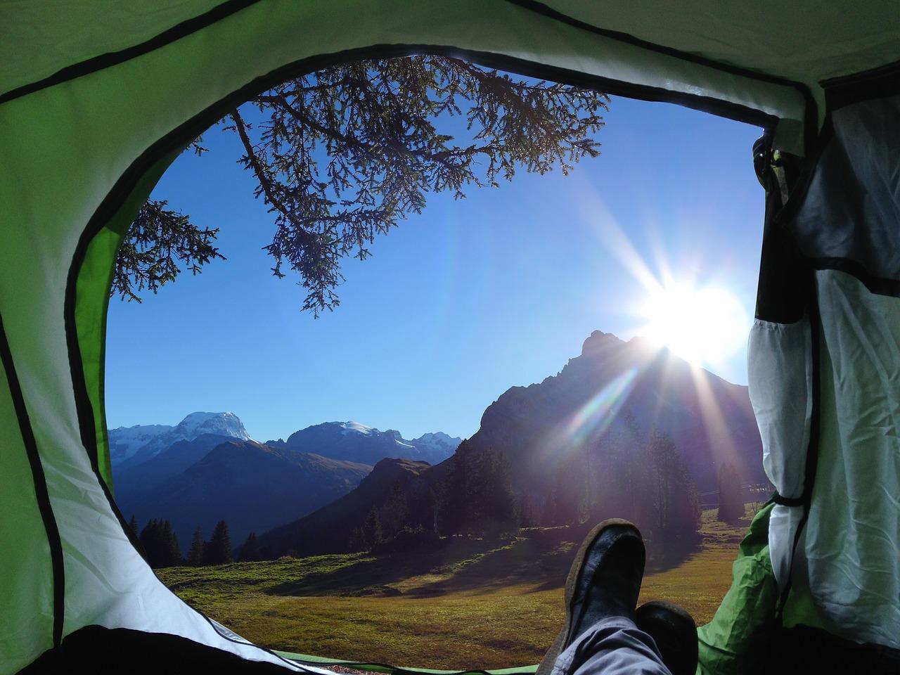 O que não pode faltar em um acampamento com os amigos?